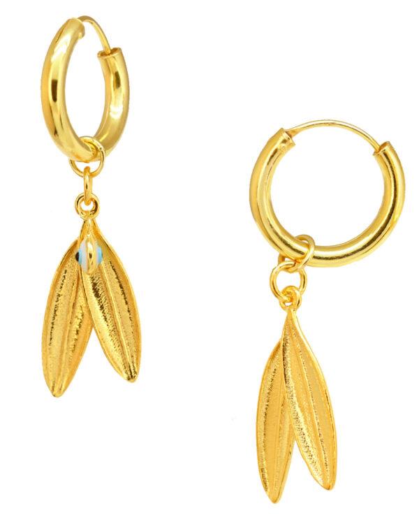 Ένα όμορφο και μοντέρνο ζευγάρι σκουλαρίκια από επιχρυσωμένο ασήμι 925